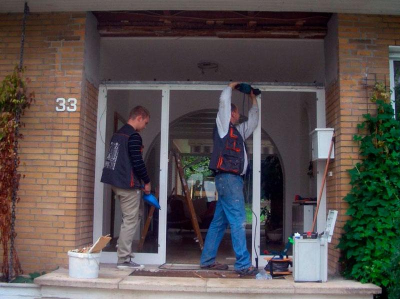 Fenster-Doc-Haustür-mittendrin